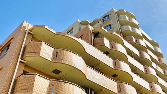 マンションの構造と方角・周辺施設